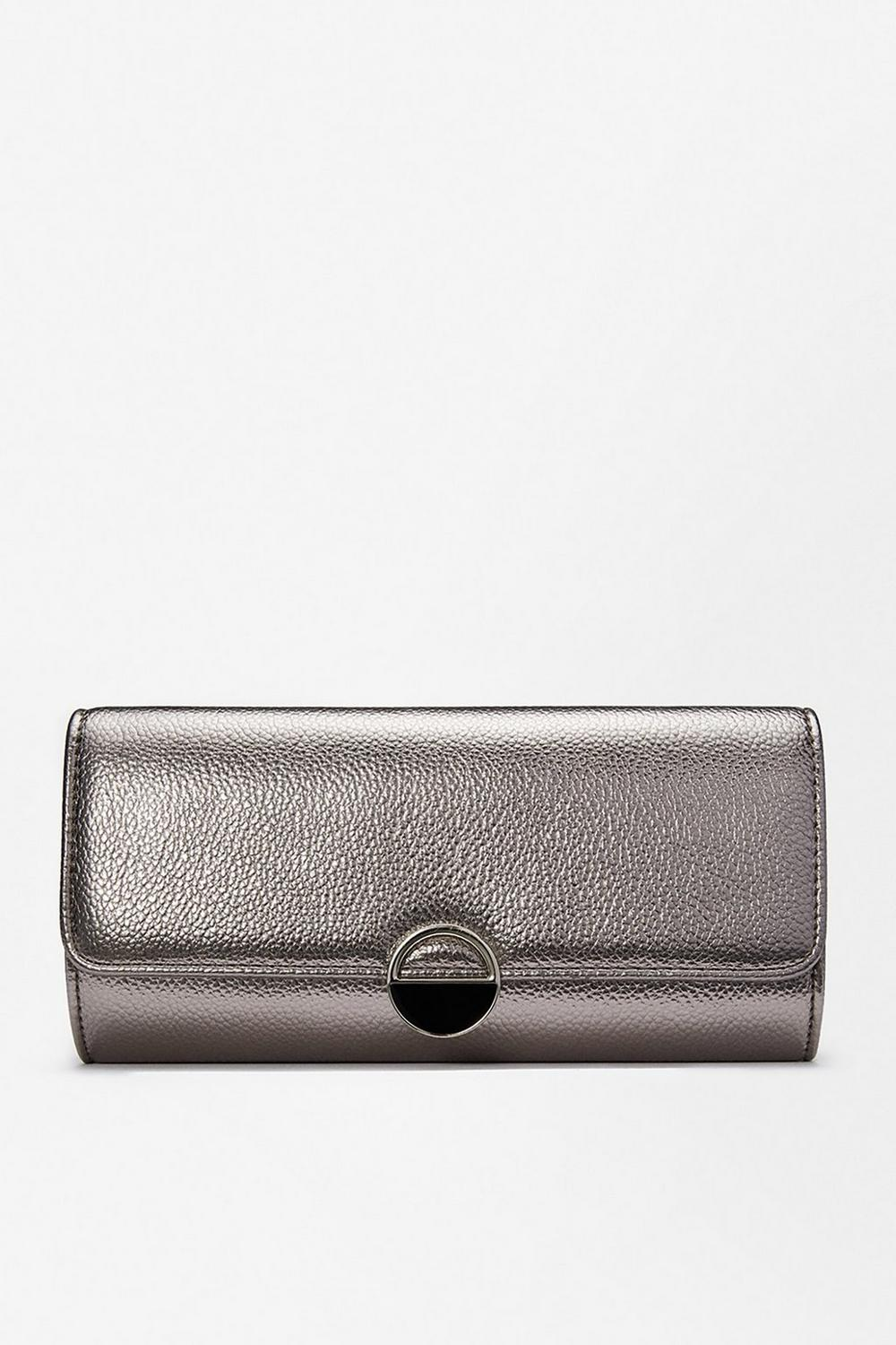 Coast Circle Hardware Clutch Bag